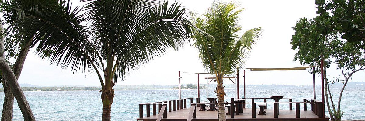Vanuatu-oceanfront-deck