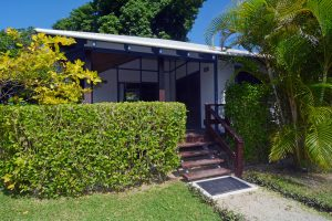 2 bedroom oceanfront bungalow accommodation